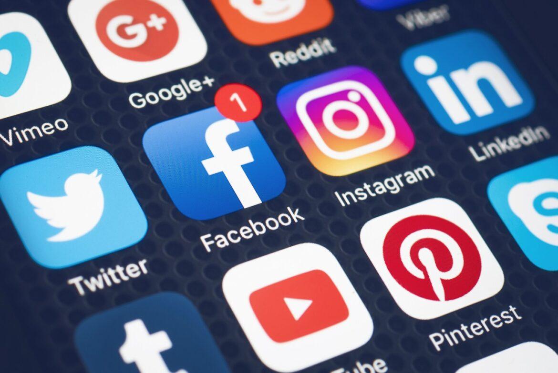 Come usare i social per promuovere la propria attività