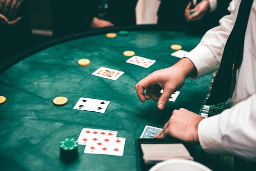 I giochi jackpot di Unique Casinò: analisi e confronto